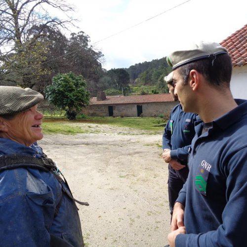 """Operação """"Ignição Zero"""" sinaliza infrações e sensibiliza oliveirenses para ações de limpeza junto às habitações."""