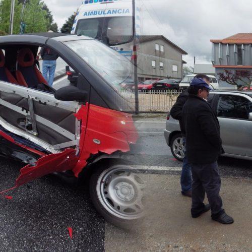 Dois acidentes, quase à mesma hora, envolveram seis viaturas e causaram três feridos ligeiros em Oliveira do Hospital