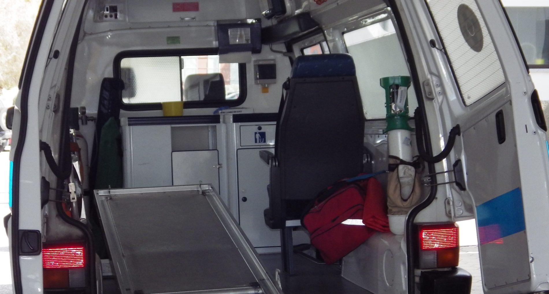 Tábua: Quatro jovens ficaram feridos em despiste de mini-autocarro escolar