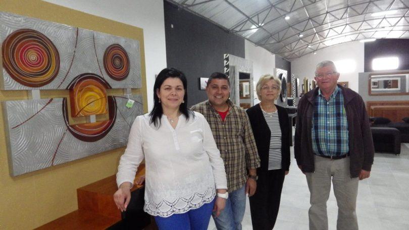 """Virgílio Ribeiro & Costa """"ganha força"""" com nova e moderna exposição de mobiliário"""
