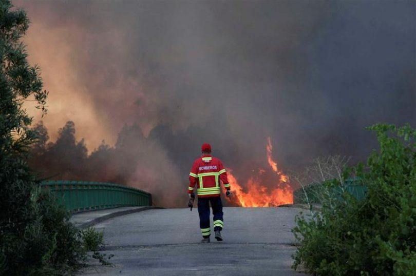 Mais de 20 concelhos de nove distritos em risco máximo de incêndio