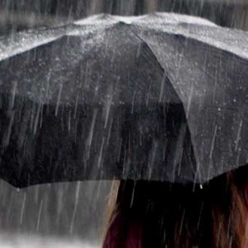 Quatro distritos do Norte sob aviso amarelo devido à chuva forte