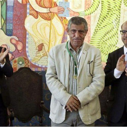 Selecionador português de futebol, Fernando Santos, recebeu a medalha de ouro do município de Arganil