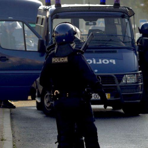 Drogas e armas apreendidas em bairro de Coimbra