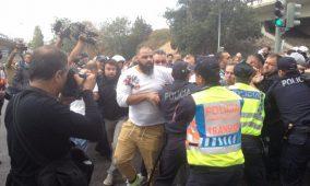 Confrontos entre taxistas e polícia no Aeroporto de Lisboa