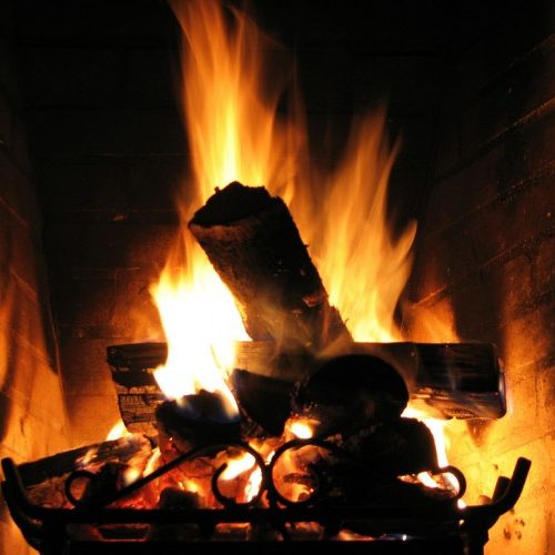 Fagulhas em chaminé deram alerta para fogo em habitação de Nogueira do Cravo
