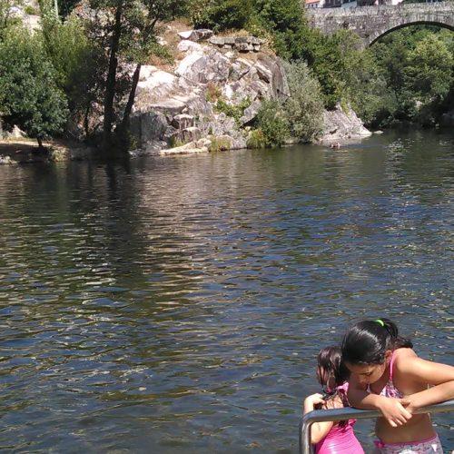 """Praia Fluvial de Avô eleita como """"Praia + Acessível"""" de Portugal"""