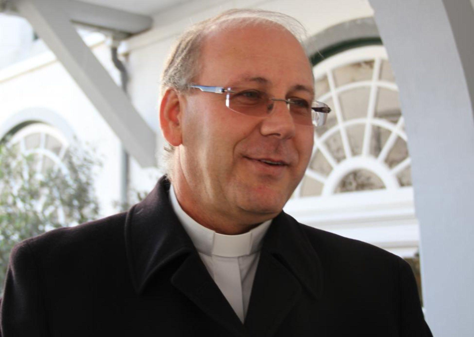 Bispo de Coimbra abençoa Capela de Nª Srª da Visitação em Galizes