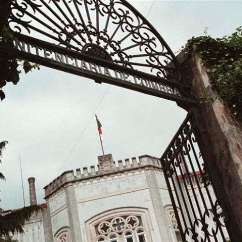 Empregada de limpeza detida ao tentar introduzir haxixe na prisão de Coimbra