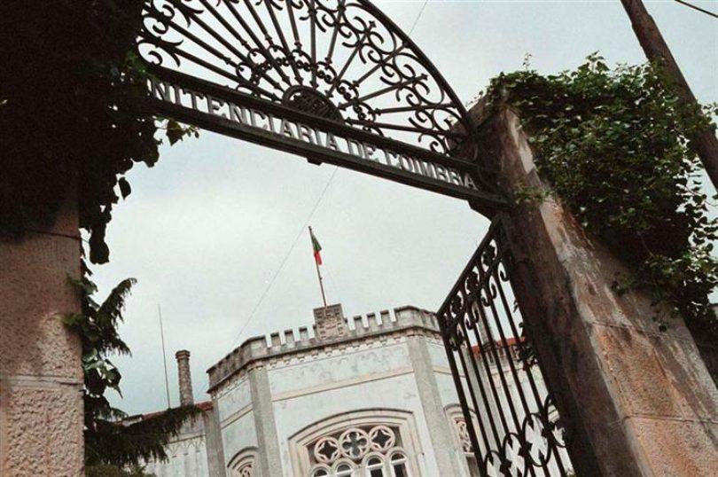 Coimbra: Recluso condenado a 13 anos de prisão por ter matado companheiro de cela