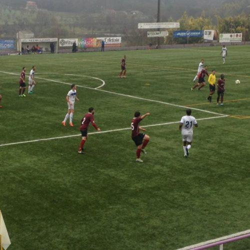 FCOH perde dois pontos no empate 0-0 frente ao União FC e desce para a terceira posição. Sourense e Condeixa goleiam os seus adversários.