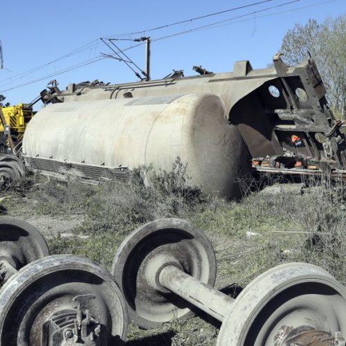 """Circulação ferroviária mantém-se cortada devido à """"complexidade dos trabalhos"""""""