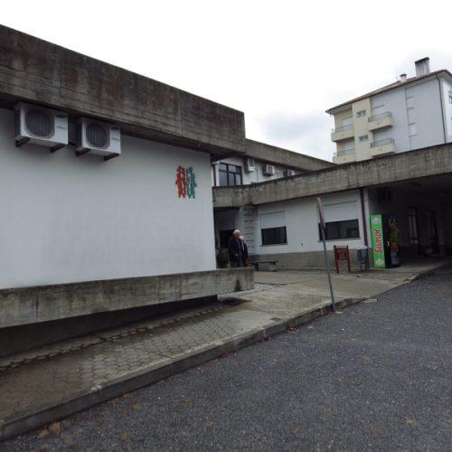 PCP exige remoção de amianto do telhado do Centro de Saúde de Oliveira do Hospital