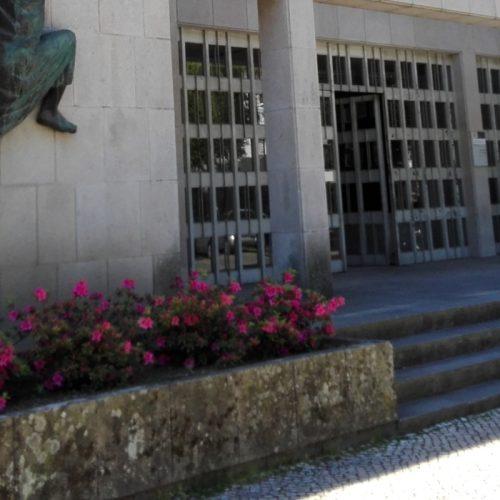 Funcionária da Conservatória de Oliveira do Hospital confessou recebimento de montantes indevidos na primeira sessão de julgamento
