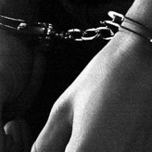 Região: Homem detido por violência doméstica com armas de fogo apreendidas