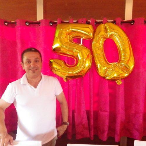 Pizzaiolo Casimiro Santos comemora 50 anos com amigos e clientes