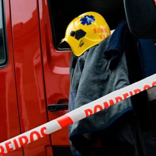 Incêndio industrial destruiu 10 viaturas e armazéns em Ortigosa, Leiria