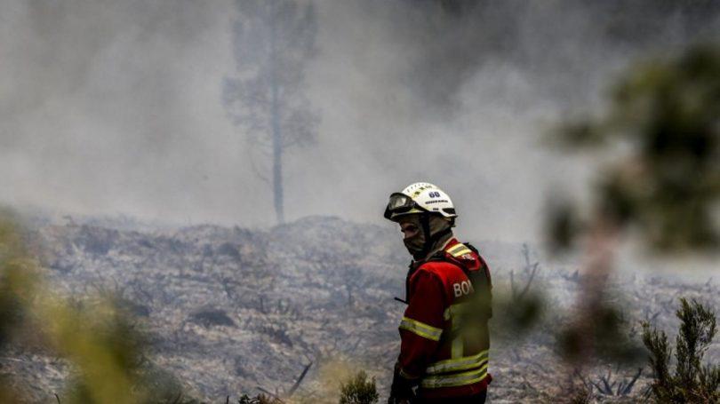 Concelhos de Bragança, Guarda e Castelo Branco em risco máximo de incêndio e mais de 40 concelhos em risco muito elevado