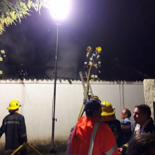 Incêndio destruiu casa desabitada em Gavinhos de Baixo