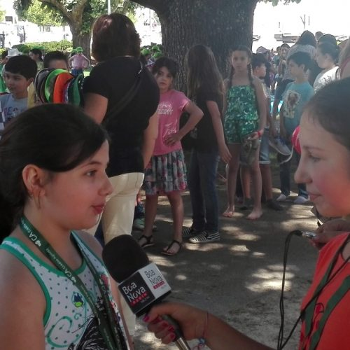 """Crianças são """"mini repórteres"""" da Rádio Boa Nova"""