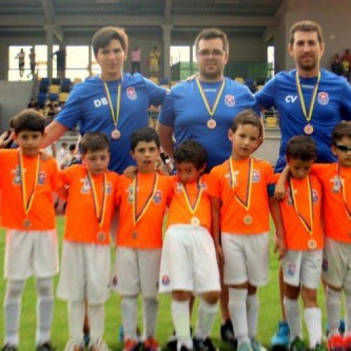 Equipa de Petizes do Futebol Clube Oliveira do Hospital é vice-campeã distrital