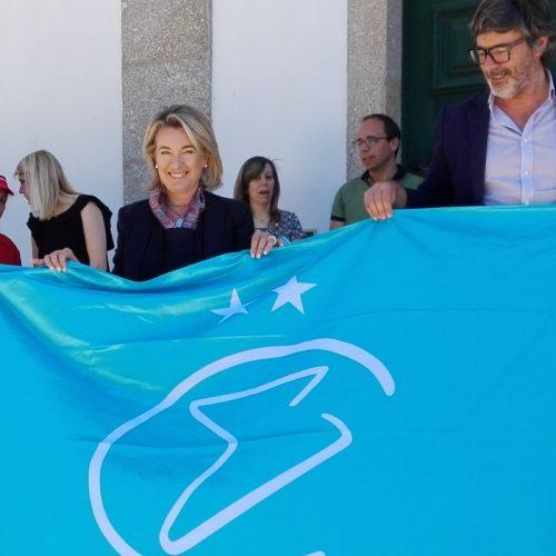 """Oliveira do Hospital e vila de Avô galardoadas com a Bandeira """"Cidades de Excelência"""" (com áudio)"""