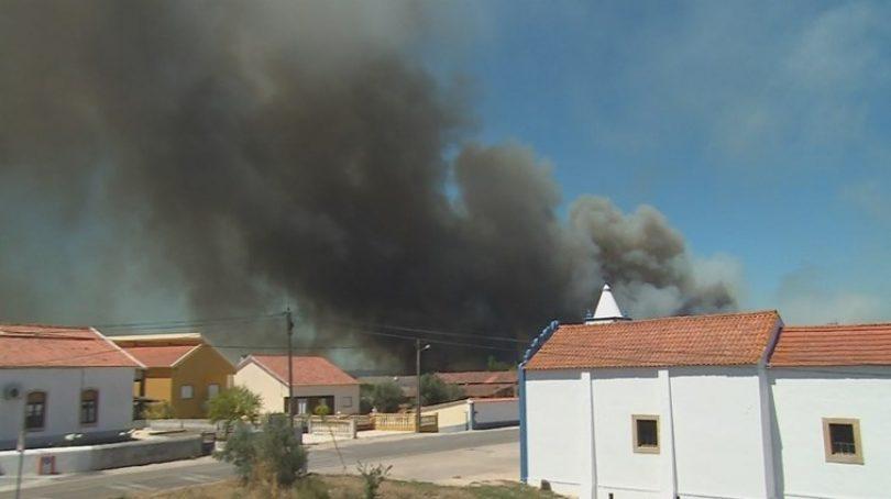 Sete bombeiros feridos em incêndio em Abrantes