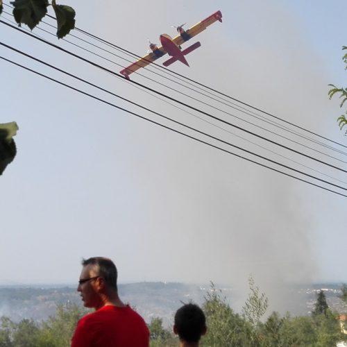 Incêndio em Andorinha combatido por 250 bombeiros e sete meios aéreos está em fase de resolução