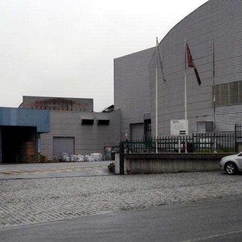 Administração da Sonae garante que empresa não oferece perigo às populações