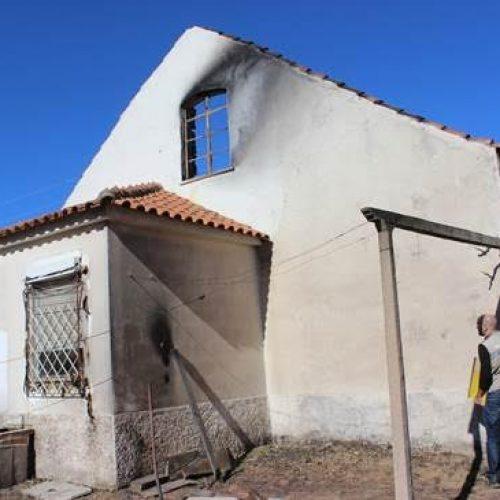 Município de Arganil entrega amanhã a chave de dez casas destruídas pelo incêndio