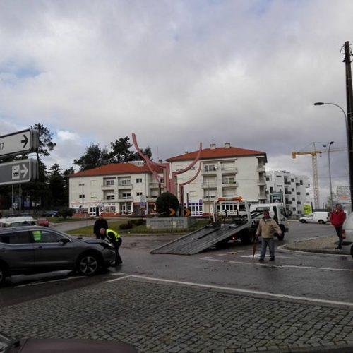 Acidente sem feridos congestionou trânsito em Oliveira do Hospital