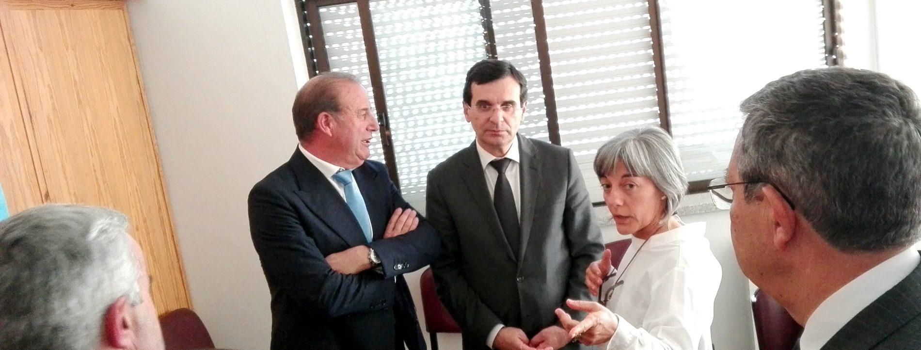 Presidente da Câmara Municipal de Oliveira do Hospital reúne com o Ministro da Saúde