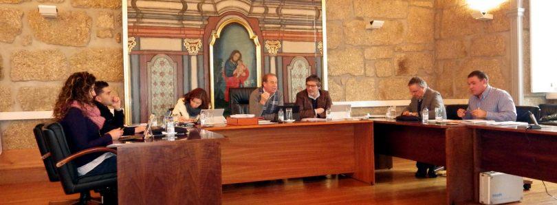 Diferenças entre executivos de Mário Alves e Alexandrino aqueceram reunião de Câmara oliveirense