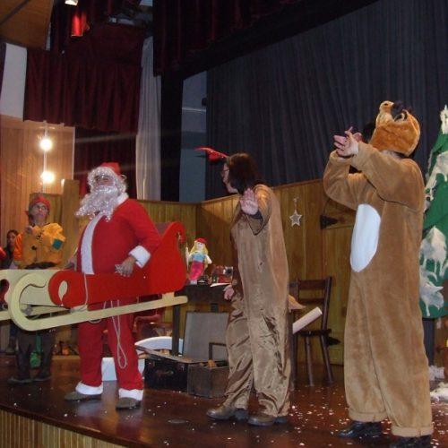 """Última sessão da peça """"As Renas do Pai Natal"""" encerra animação de Natal em Oliveira do Hospital"""