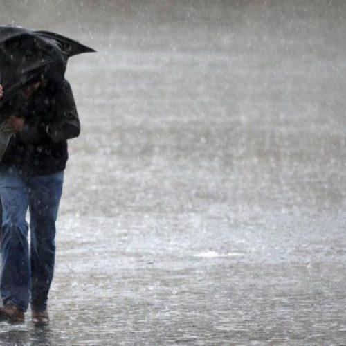 Chuva regressa hoje. Dez distritos sob aviso devido à agitação marítima