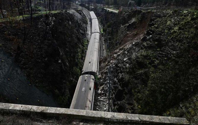 Linha da Beira Alta novamente interrompida por deslizamento de terras