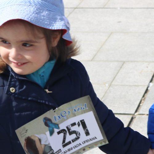 Laço azul e caminhada sensibilizam para a infância e o ambiente em Oliveira do Hospital (com vídeo)