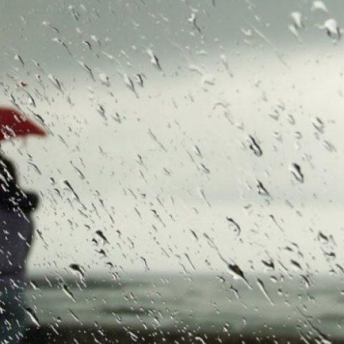 Proteção Civil alerta para fenómenos extremos de vento e cheias rápidas