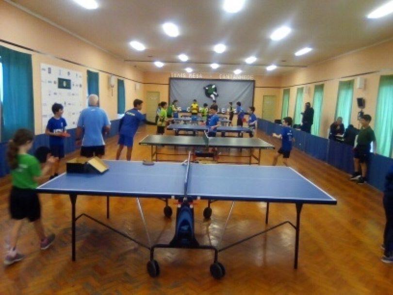 Atletas do CCPOH em estágio da Associação de Ténis de Mesa de Coimbra
