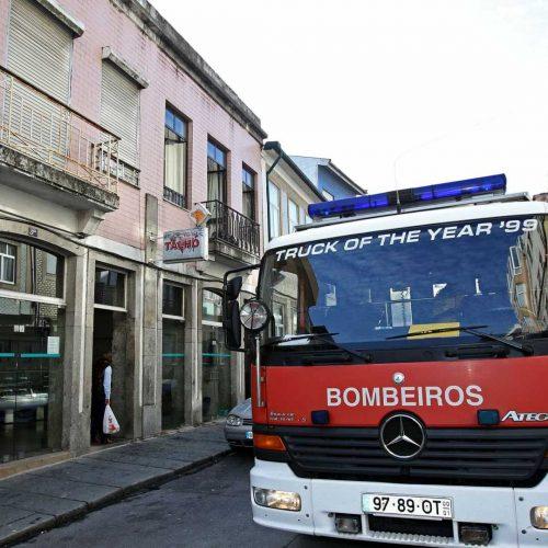 Café Nicola em Coimbra consumido pelas chamas