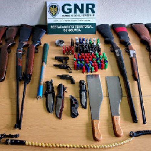 Homem detido em Gouveia por posse de 23 armas