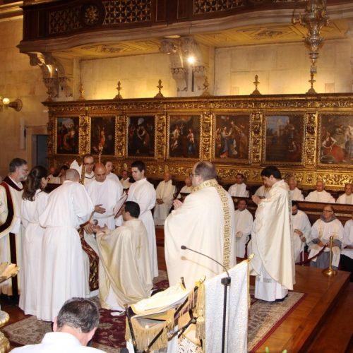 Bispo de Coimbra ordenou três sacerdotes e um diácono