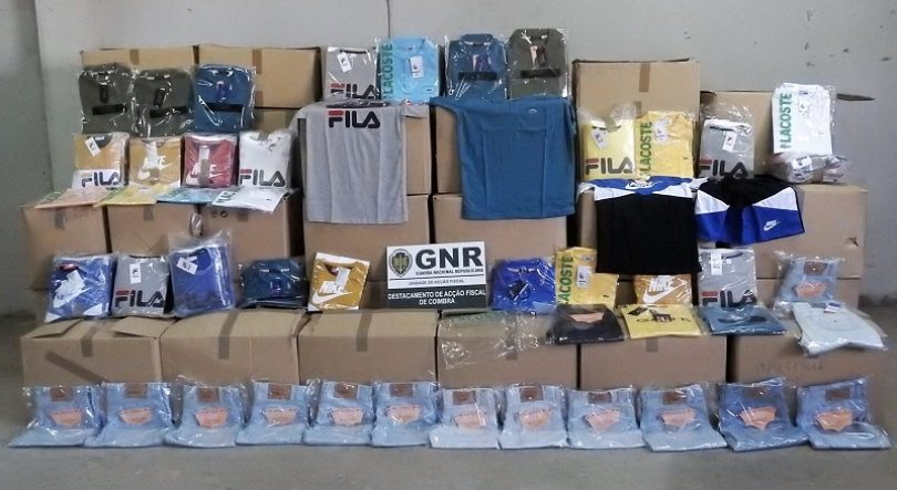 GNR apreende mais de duas mil peças de vestuário contrafeito na Mealhada