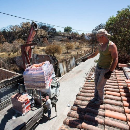 """Autarca de Pedrogão Grande garante que casas reconstruídas """"são de primeira habitação"""""""