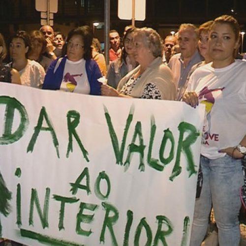 População de Seia promoveu vigília em defesa do hospital