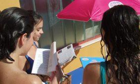 """""""Leitores de verão"""" nas praias fluviais e piscinas do concelho de Oliveira do Hospital"""