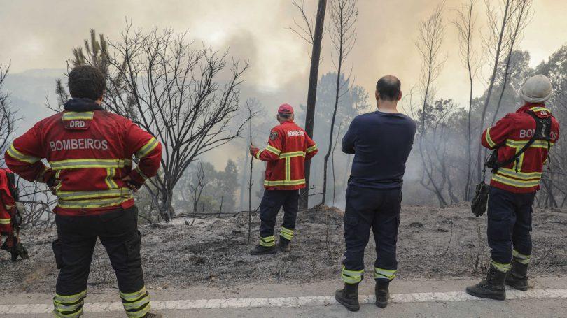 Mais de 2 300 operacionais combateram fogos ontem. BVOH prestaram ajuda em Condeixa