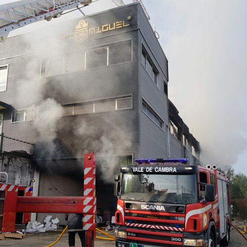 Oliveira de Azeméis: Incêndio destruiu duas fábricas de calçado