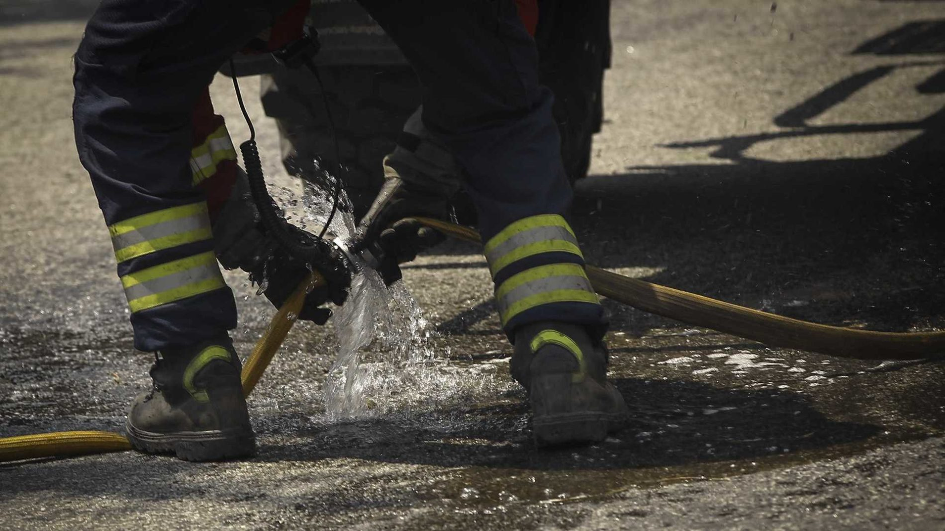 Coimbra: Família desalojada após incêndio numa habitação
