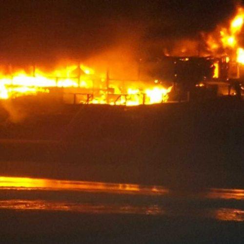 Peniche: Bar na Praia do Baleal consumido pelo fogo